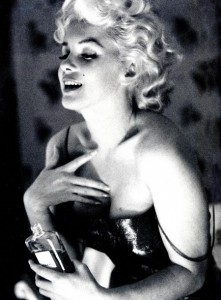 marilyn-monroe-chanel-no-5 yeni